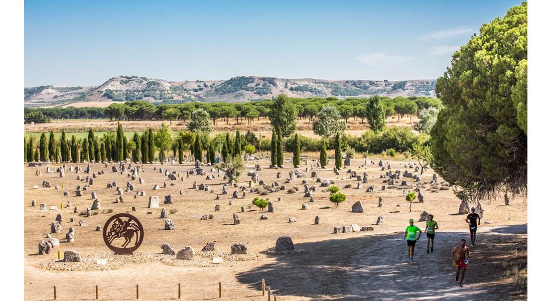 La Ribera Run Race de 2018 a su paso por la necrópolis de Las Ruedas