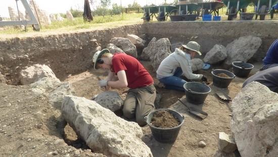 Excavación en la necrópolis de Las Ruedas (2016)